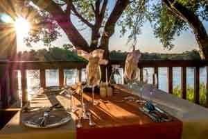 Afrika Erfahren, Namibia Rundreise Selbstfahrer Caprivi, Divava Lodge Terrasse
