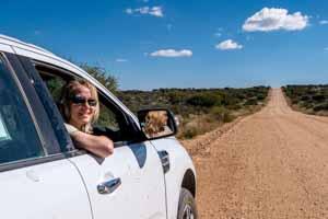Afrika Erfahren, Namibia Botswana Rundreise Mietwagen, Rote Strasse