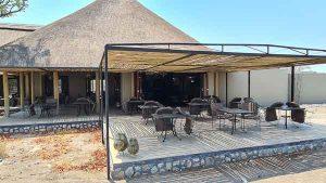 Selbstfahrer Namibia Corona, Etosha Oberland Lodge, Terrasse