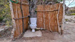 Namibia Rundreise Corona, Sesfontein, Hoanib, Sleepout, Toilette