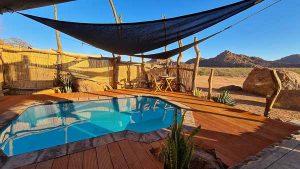 Namibia Rundreise Corona, Twyfelfontein Adventure Camp, Pool