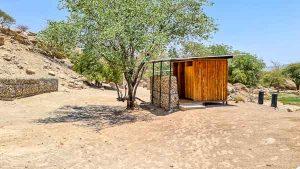 Namibia Rundreise Corona, Sesfontein, Ogongo Campsite, Waschräume