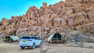 Namibia Rundreise Corona, Twyfelfontein Adventure Camp, Zelt, Mietwagen